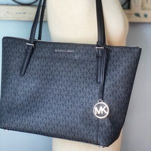 MICHAEL KORS BLACK LOGO JET SET LARGE TOTE